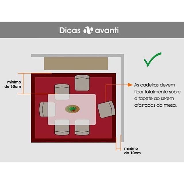 DICAS AVANTI:sala de jantar. Só é preciso respeitar duas regrinhas básicas: o tamanho e a altura. Pra não errar, o tapete deve comportar a mesa e as cadeiras, pensando inclusive no espaço que ocupam quando afastadas. Por causa da comida, aposte em tapetes com pelo mais baixo. Siga-nos e acompanhe toda a série! #avantitapetes #instadecor  #decoração #designtextil #saladejantar #tapete #dicasavanti #dicadedecoração