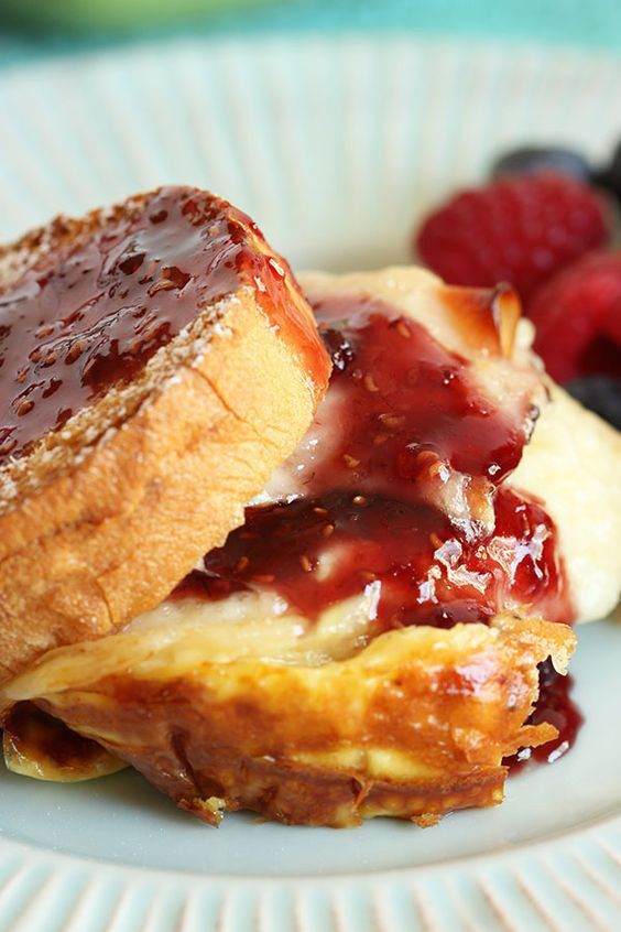 Monte Cristo Breakfast Casserole | The Suburban Soapbox