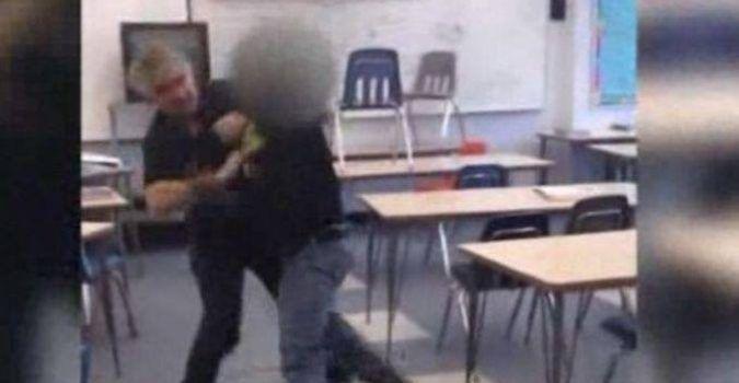 [Scuola] Il nuovo sport di picchiare gli insegnanti