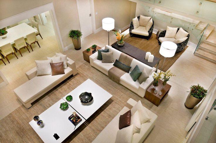 #quitetefaria De cima... #arquitetura #decoracao #casa #home #architecture #interiores #projeto #decor pé direito duplo, decoração, sala, móveis, sofá, chaise