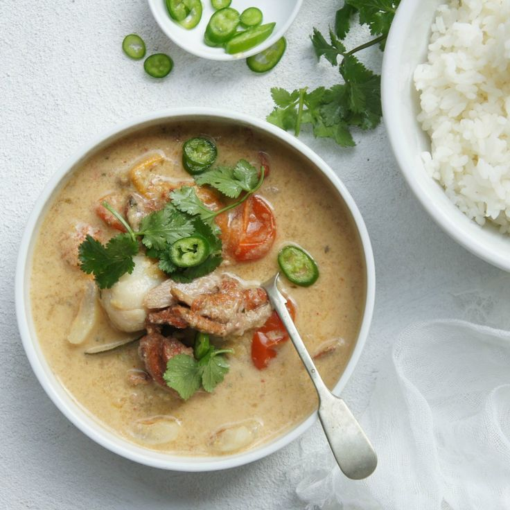 #RecipeoftheDay: This Asian-Style Duck Curry by boomagoo is a real crowd-pleaser!