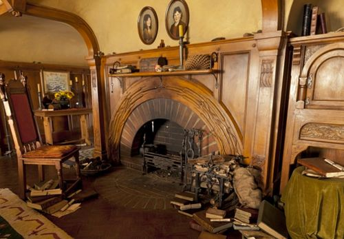 Bag End S Parlor Fireplace The Hobbit Hobbit Hole