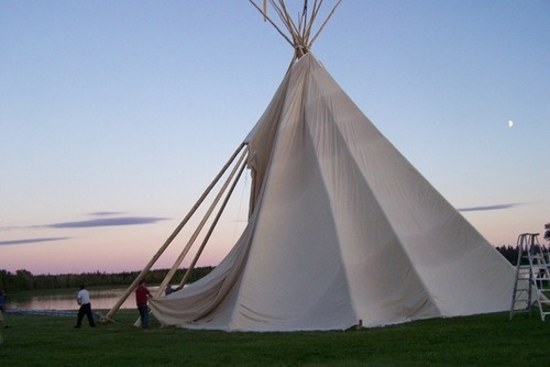 teepeeGiants Teepees, Sun Sets, Front Yards, Magic Dwell, Native Places, Indian Artifacts, Awhile Teepees, Native American