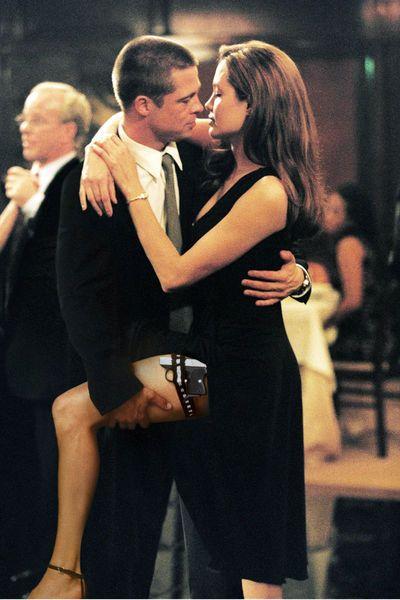 Angelina Jolie & Brad Pitt trennen sich. Angelina hat die Scheidung eingereicht. Der Grund: Streit um die Kindererziehung. Was Marion Cotillard sagt.
