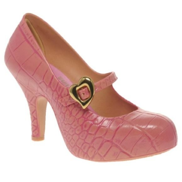 SALEVivienne Westwood Melissa in Pink Croc SALE! Vivienne Westwood Pink Croc Print Melissa Shoes. These babies will keep you looking cute in this rainy season. Gold-tone heart-shaped buckle detailing. Says size 9 and euro size 40 but fits more like a US size 9.5. Worn 3-4 times. ❌NO TRADES❌ Vivienne Westwood Shoes
