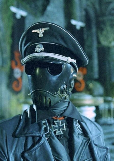 I know this isn't what i usually post on this fashion page. But hey its cool.  #Dieselpunk fashion.