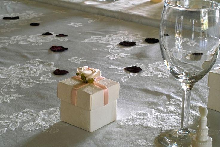 #wedding favours #bononniere #pink #rose #wedding #wedding table setting