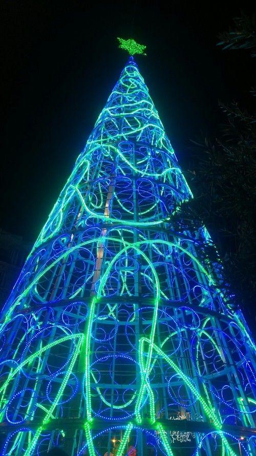 christmas tree made of rope lights christmaslights - Blue And Green Christmas Lights