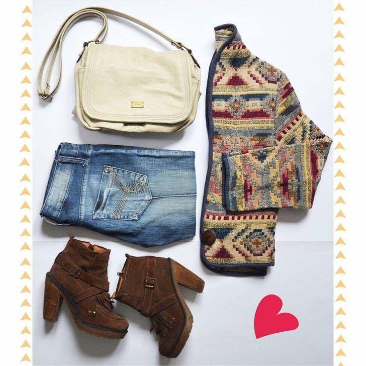 〰AIRES ÉTNICOS〰 SEVEN HEAVEN Jacket (M) EFESIS Washed Jeans (38) DIMENSIÓN AZUL Suede Booties (37) PRÜNE Shoulder Bag ⚠️www.bazarvintage.cl #BazarVintageCL #ReuseFashion #VintageBag #digitalart #reutilizar #closet #online #marketing #branding #vende #compra #fashion #moda #vintage #VintageClothes #vintageclothing #soyceroplástico #vintagelove #vintagefashion #ExclusiveClothes