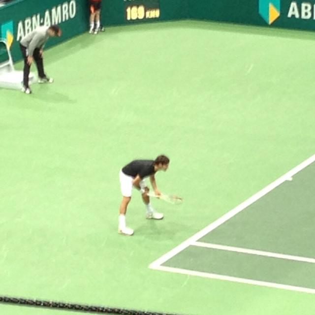 Federer into final WTT