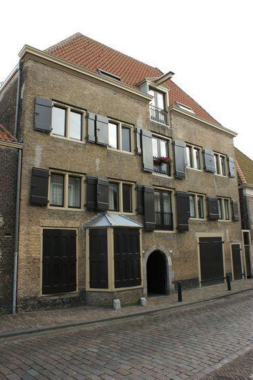 Dordrecht<br />Dordrecht - Varkenmarkt Brouwerij de Sleutel