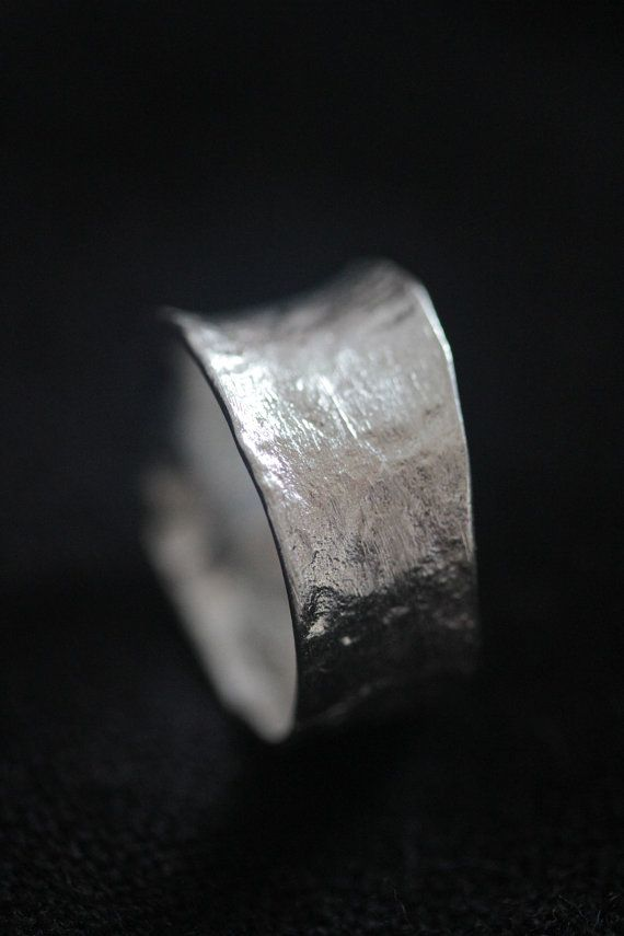 Handmade Hammered Texture Thai Sterling Silver Ring (€26)