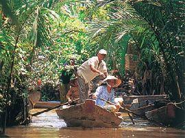 ベトナム 旅行・観光の見所を紹介!自然たっぷりのベトナムを船で体験。