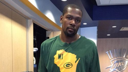 Kevin Durant looks super sad in his Packers T-shirt after losing... #GreenBayPackers: Kevin Durant looks super sad in his… #GreenBayPackers
