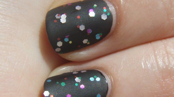 Matte top coat over textured polish to tone it down The Best Matte Top Coats | StyleCaster