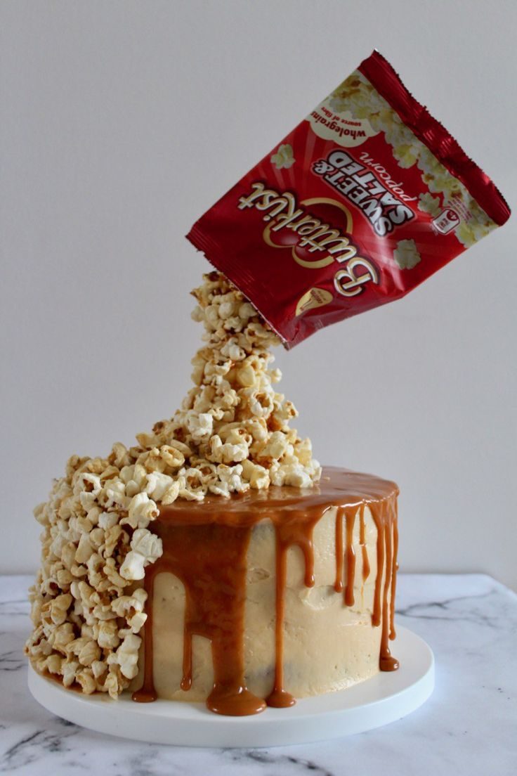 Vanilla sponge paired with silky smooth caramel swiss meringue buttercream, drizzled withmorecaramel and finished off with a pile of popcorn. Thisgravity-defying cake looks pretty…