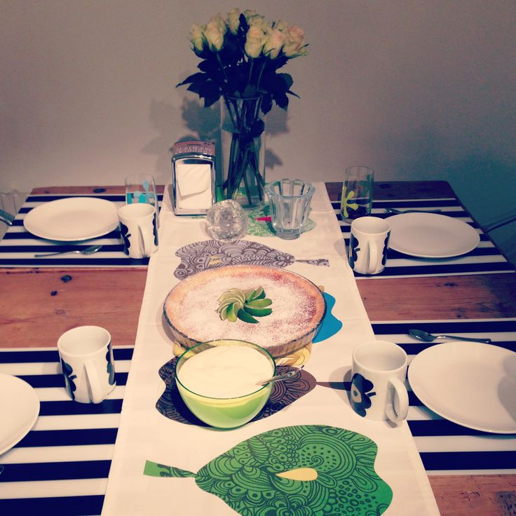Hosting; serving lemon and lime cake