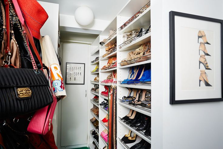 """Stacy London's Apartment Is Perfection #refinery29  http://www.refinery29.com/stacy-london-home-tour#slide-16  How has your own style changed? """"On What Not to Wear, [my style] became a persona. The pencil skirt and the top. Or, the sheath dress. And, that was it. Now, on Love, Lust or Run I mostly wear jumpsuits. Things that are much baggier, less formfitting. I wouldn't say trendy, but much more modern. One of the criticisms of What Not to Wear was that we w..."""