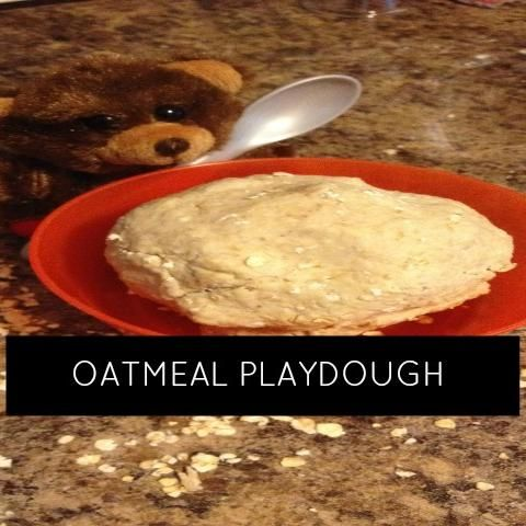 fast and simple oatmeal playdough using three ingredients. Perfect first playdough for little ones still putting things in their mouths! AND a great early literacy opportunity for ready Goldilocks and the Three Bears