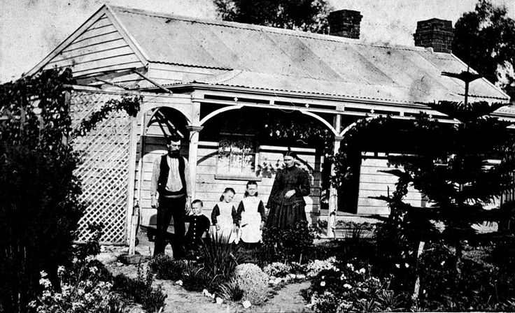 Bendigo, Victoria, circa 1863 - Bendigo, Victoria, circa 1863 The Bartlett family in front of their home.