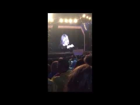 Adele Flips Out On Audience Member For Recording Her Concert - http://oceanup.com/2016/05/31/adele-flips-out-on-audience-member-for-recording-her-concert/