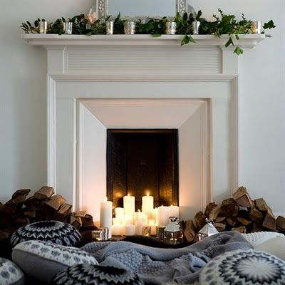 cozy: Candles In Fireplaces, Fireplaces Mantles, Fireplaces Candles, Candles Fireplaces, Winter Holidays, Faux Fireplaces, Natural Wood, Christmas Mantles, Fire Places