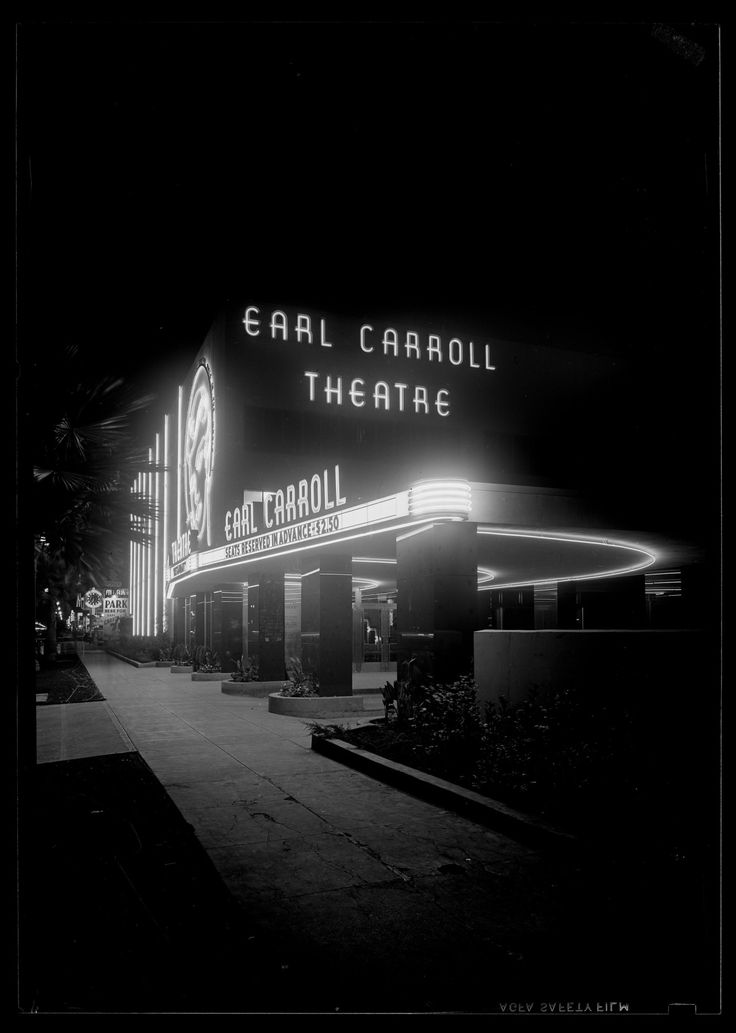 The Earl Carroll Theatre on Sunset Boulevard in Hollywood (1939)