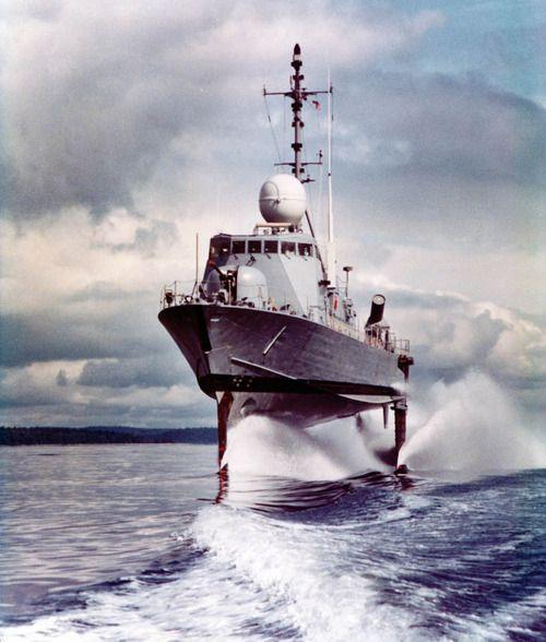 how to get into the merchant marine australia