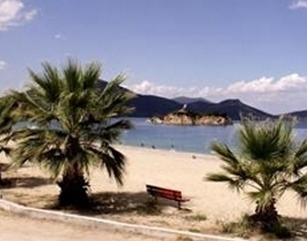 Studios & Apartments in Evia-Pefki summer resort for individual travelers