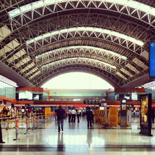 İstanbul Sabiha Gökçen Uluslararası Havalimanı (SAW) (İstanbul Sabiha Gökçen Uluslararası Havalimanı)