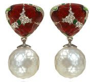 Russian jeweller Ilgiz F designed these faceted pearl earrings