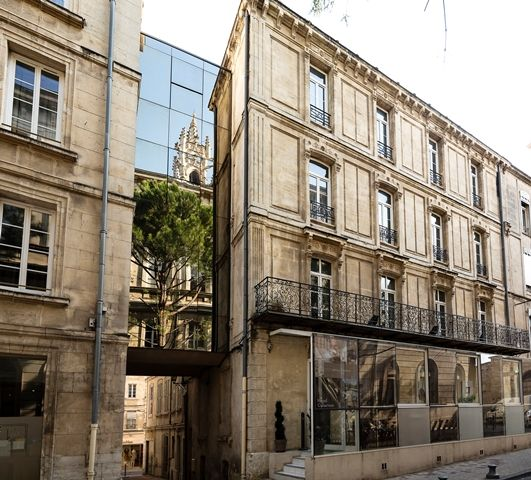 14 best Avignon images on Pinterest Clock, Centre and City