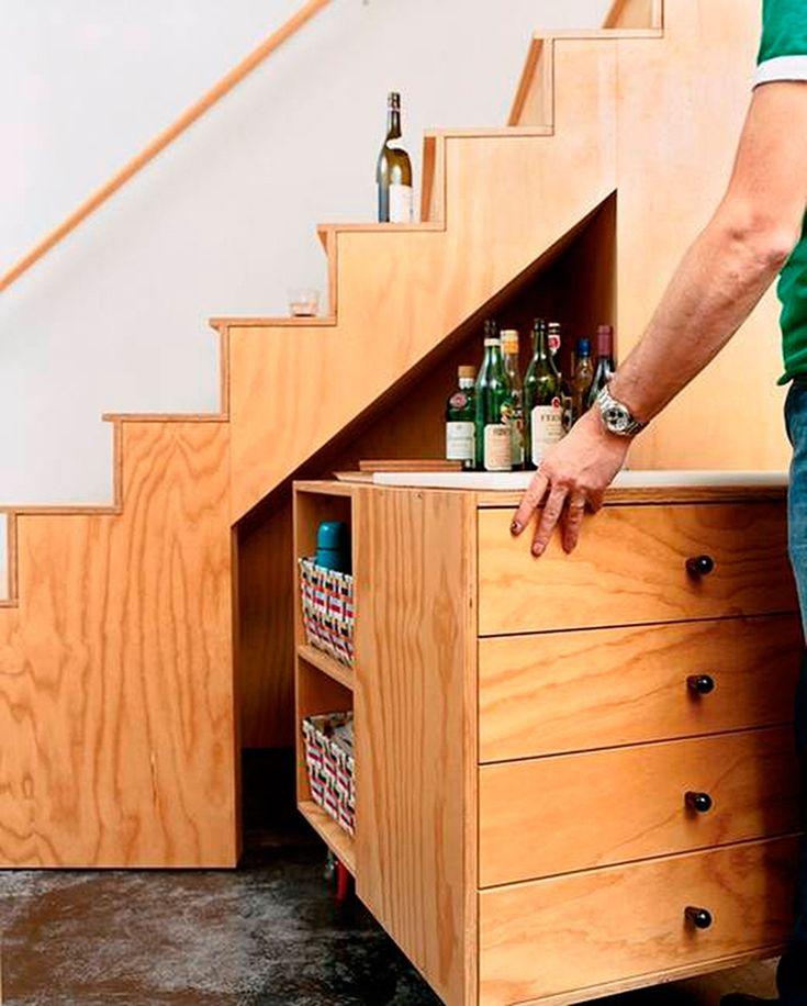 Tips: Ideas para aprovechar el espacio bajo nuestras escaleras - FRACTAL estudio + arquitectura