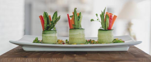 Sushis de concombre aux fraîcheurs de légumes