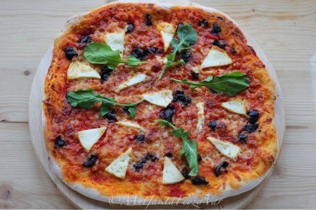 mutfakta Feyza var: Ev Yapımı Hellimli Rokalı Pizza