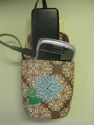 DIY Cell Phone Charging Pocket