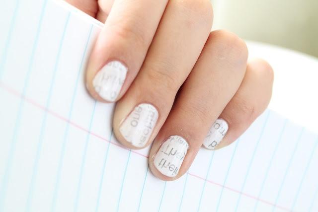 Newspaper Nails: Nails Art, Nails Design, Beautiful Tutorials, Newsprint Nails, Nails Polish, Words Nails, Prints Nails, Newspaper Nails, Paintings Nails