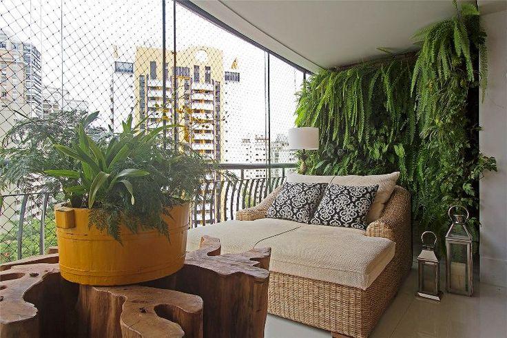 deck jardim vertical:Jardim Vertical instalado em apartamento no Bairro Vila Nova