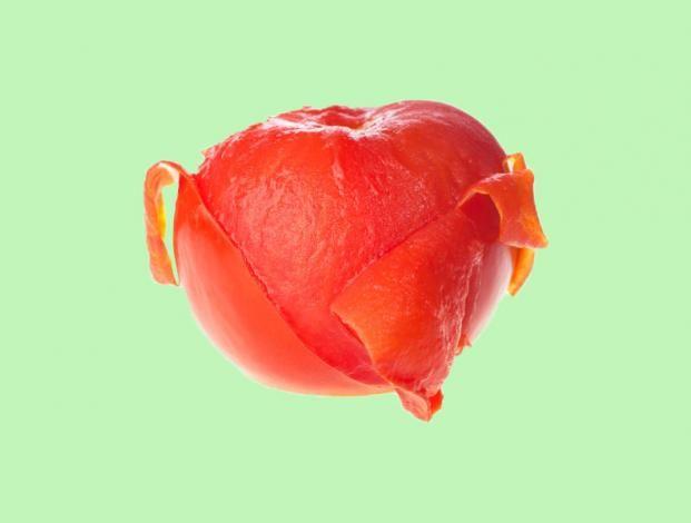 ¿Hay que pelar los tomates?  a) Sí b) No Descubre la respuesta aquí: