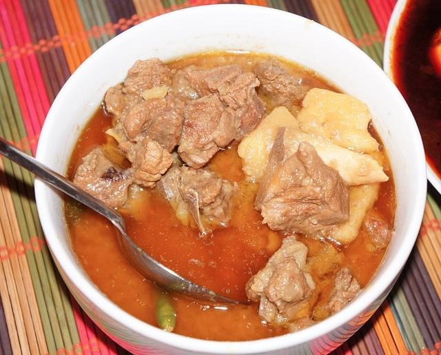 Alicha Sega Wot (Mild Beef Stew) is a traditional Ethiopian recipe for a classic stew of beef, onions and oil in a mildly-spiced base. #recipe #food #dalekh