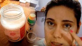 Pour une peau de visage plus jeune de 5 ans ! Préparez cette crème pour les yeux avec ces 3 ingrédients … Vous n'aurez plus de rides après la cinquième application !