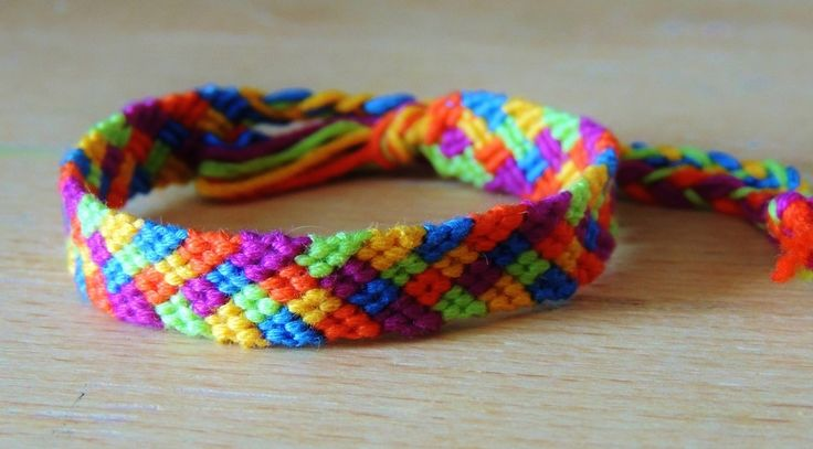Normal Friendship Bracelet Pattern #3162 - BraceletBook.com