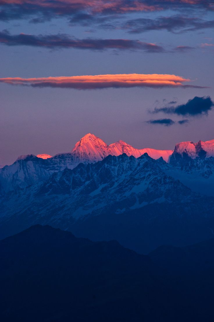 Sunset colors on an unnamed 21000ft spur in the Kumaon Himalayas [2581  3872] [OC] #reddit