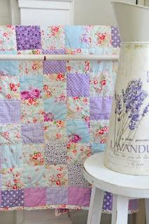 Helen Philipps: Rosy Lavender quilt