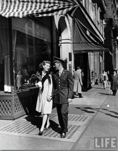 New York, 1942    Photo by Alfred Eisenstaedt