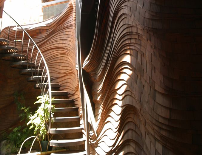 the distinct organic architecture style of bruce goff Bruce alonzo goff (june 8, 1904 – august 4, 1982) was an american architect distinguished by his organic, eclectic, and often flamboyant designs for houses and other buildings in oklahoma and elsewhere.