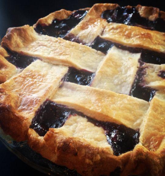 Homemade Blackberry Pie with the Best Homemade Pie Crust