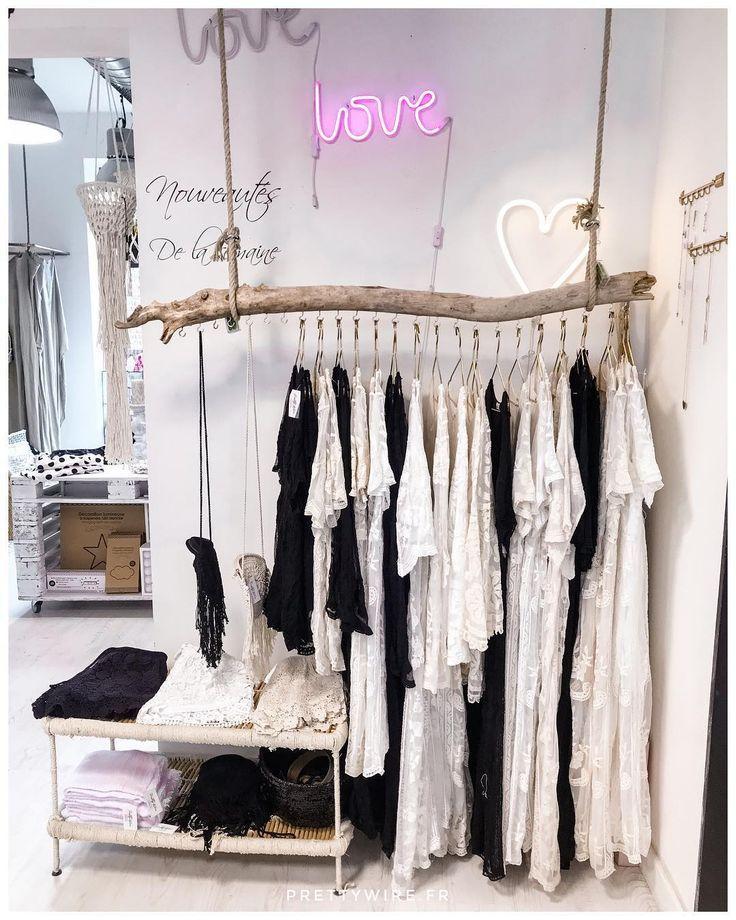 Retrouvez Nos Robes Et Gilets Juliette Au Concept Store Prettywireconcepts Store Design Boutique Clothing Boutique Interior Boutique Clothing Displays