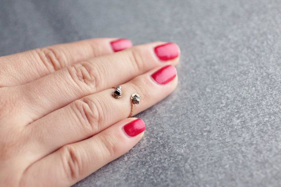 Pyrite above the knuckle ring, Midi ring, knuckle ring