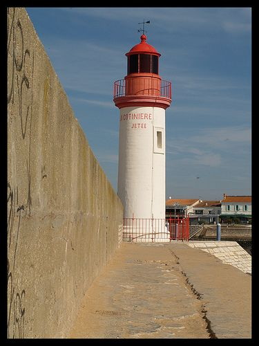 Oleron lighthouse (phare de la cotiniere) in the Bay of Biscay, Charente-Maritime, Poitou-Charentes, France